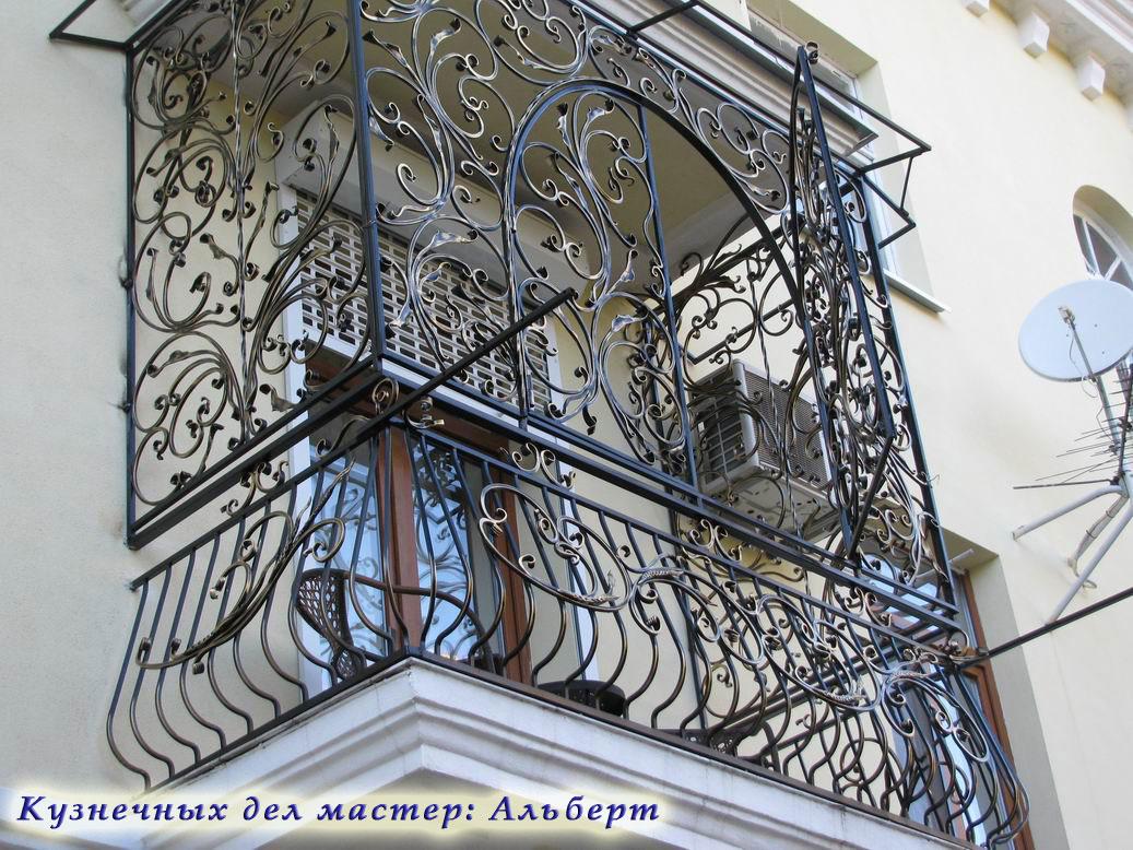 Кованые ограждения, балкон.